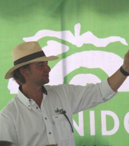 Operación ejemplar aprovecha la tecnología óptima y cultiva tomates de especialidad